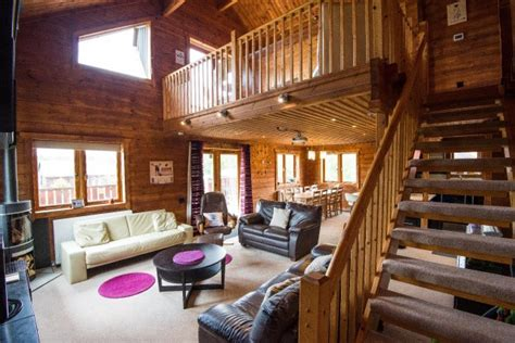 Pine Tree Lodge self catering cottage for hen parties in